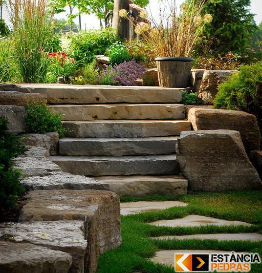 escada de pedra no jardim:Copyright 2016/17 – Estância Pedras Desenvolido com rota-livre.com