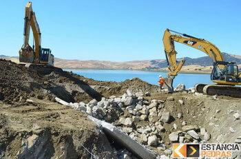 Desmonte de pedras e rochas em Frutal com escavadeira hidráulica (picão)