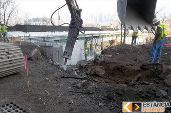 Remoção de rochas e pedras em Prudente de Morais com escavadeira hidráulica (picão)