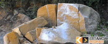 Demolição de pedras em Santa Bárbara do Monte Verde com massa expansiva