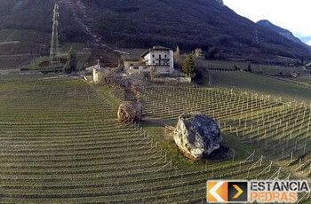 Rochas e pedras em áreas de risco